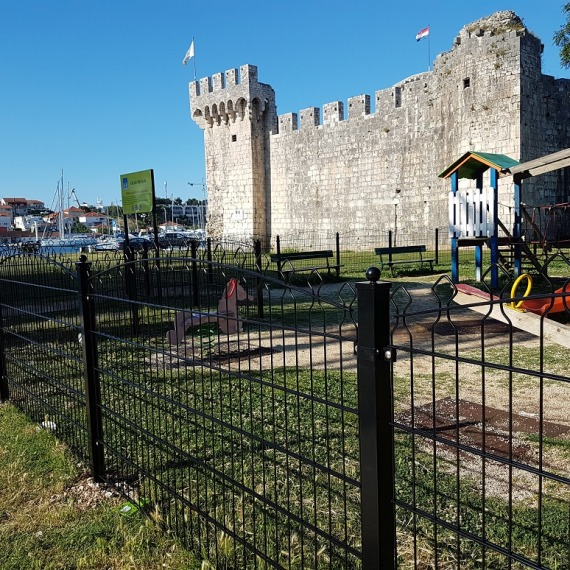 Dječje igralište - Trogir ll